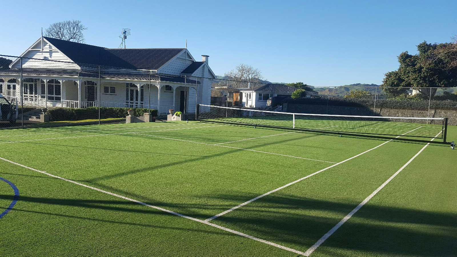 Cambridge Private Tennis Court synthetic turf